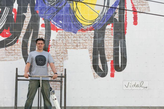 Presidente da APAP/PR inaugura mural sobre mobilidade urbana