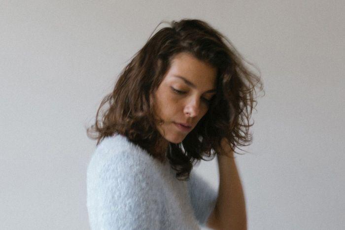 Cantora Bárbara Eugênia solta a voz na Fnac Curitiba