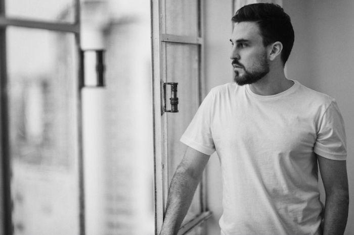 Dino Bacciotti lança primeiro álbum com show no Teatro Paiol