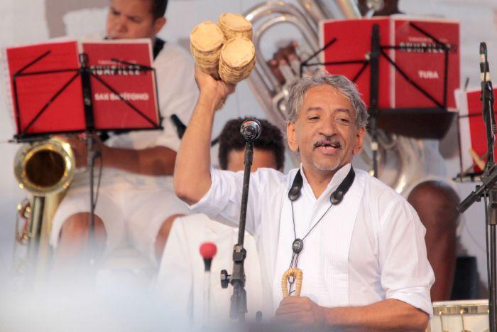 Orquestra À Base de Sopro convida maestro Letieres Leite
