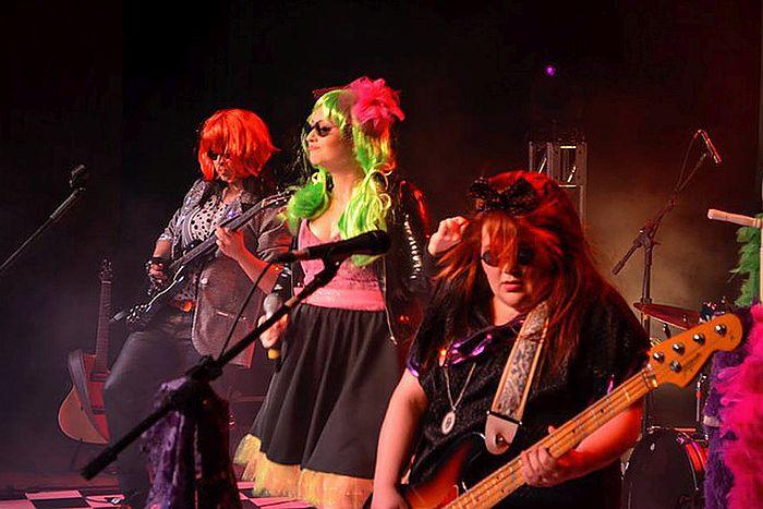 De Beatles a Rita Lee: Curitiba recebe show de rock para crianças em apresentação única