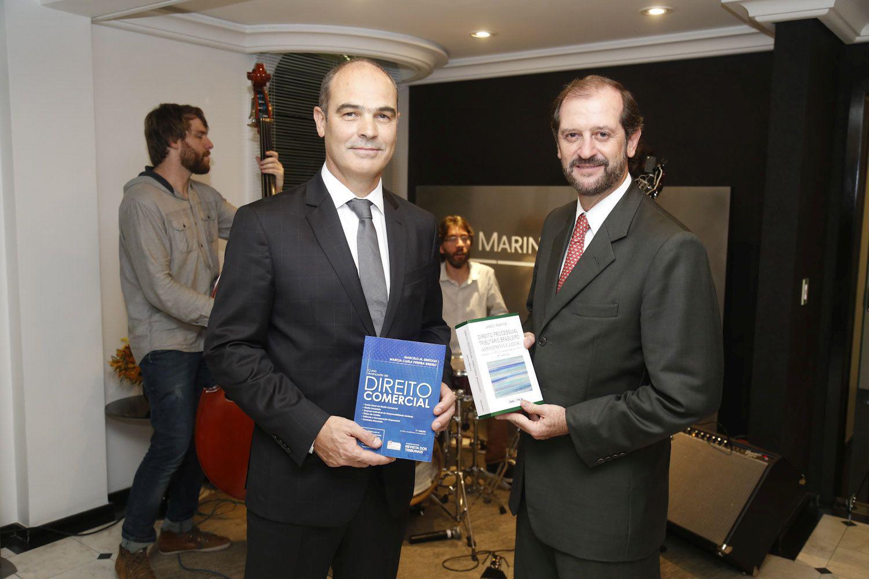 Marins Bertoldi Advogados Associados comemora 20 anos com lançamento de livros
