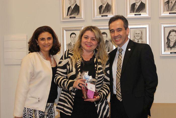 Secretária-geral da CAA/PR participa de confraternização da AATPR em homenagem ao mês de mulher