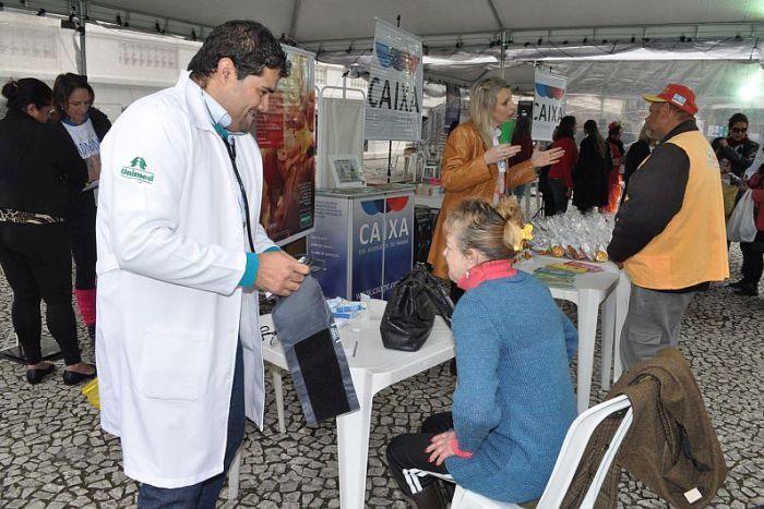 CAA/PR leva serviços de saúde, cultura e recreação para o Dia da Cidadania