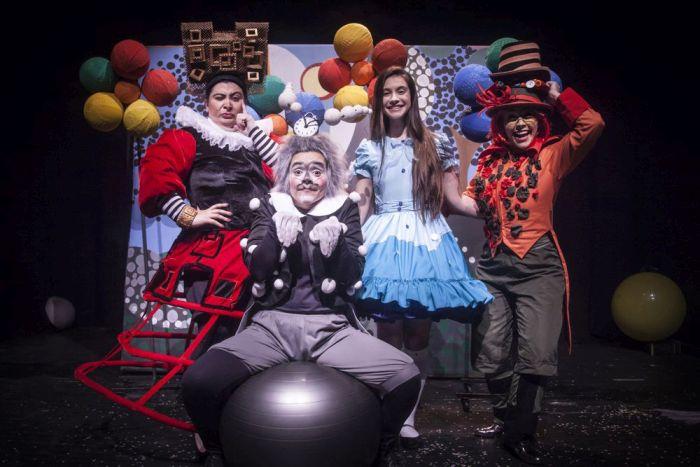 Fim de semana tem Alice no País das Maravilhas no teatro
