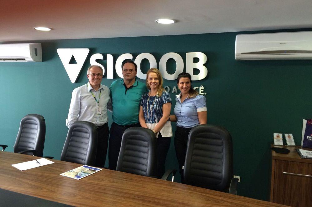 APEP e Sicoob estreitam relacionamento com vista à formalização de convênio