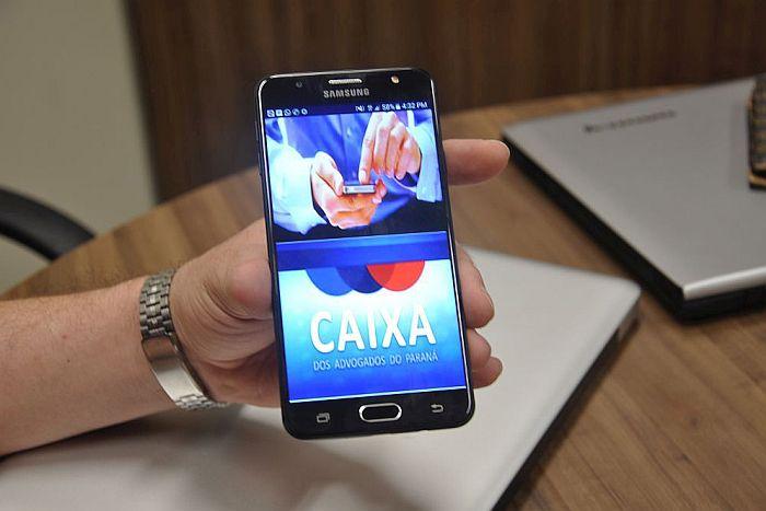 Benefícios na palma da mão com o aplicativo CAA-PR