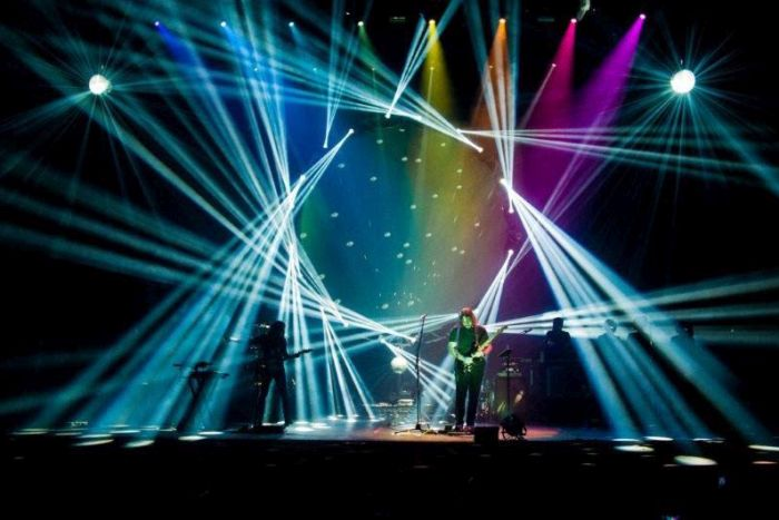 Teatro Positivo recebe neste sábado Atom Pink Floyd Tribute