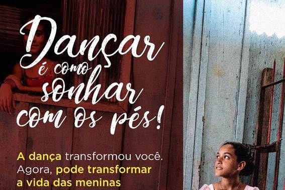 Samaritan's Feet realiza ação com meninas do bairro Parolin