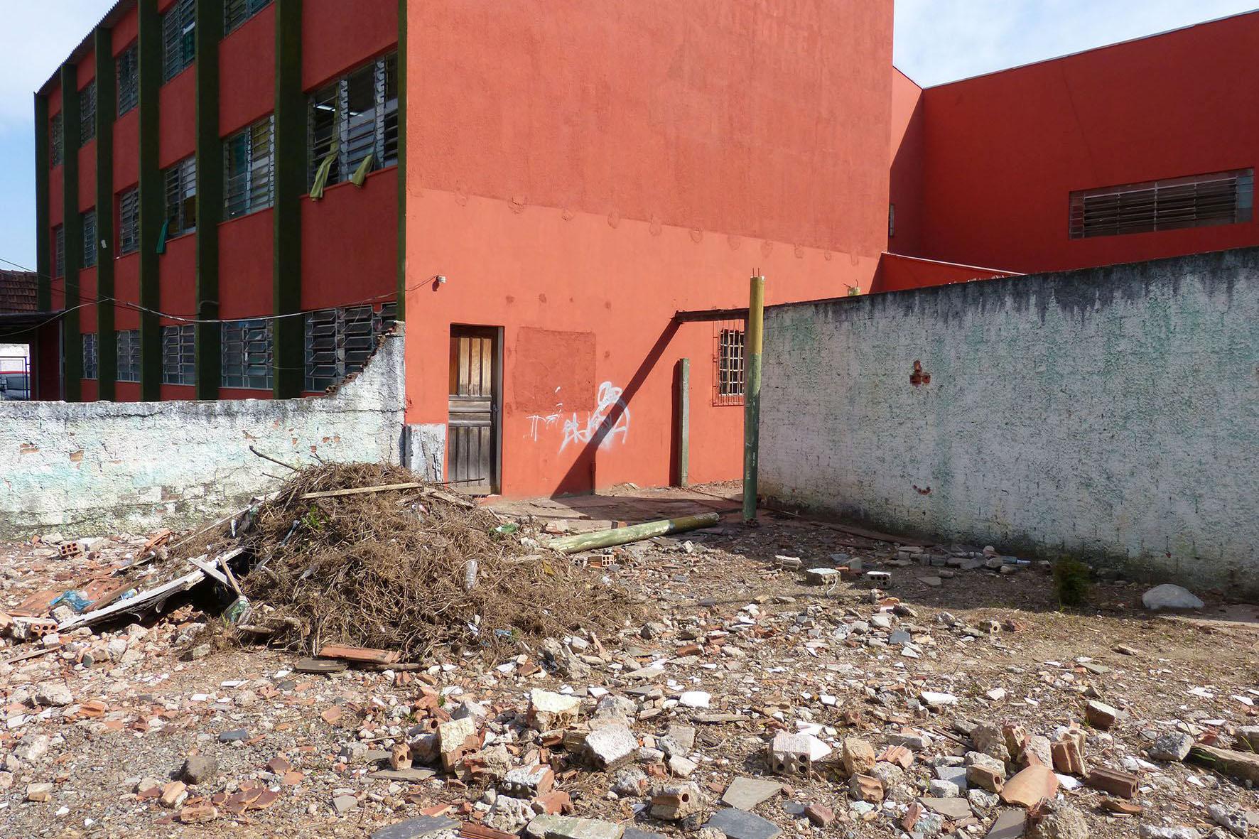 Voluntários revitalizam escola da CIC