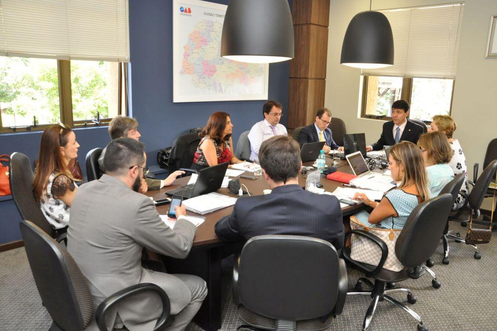 Diretoria da CAA-PR estuda aperfeiçoamento e ampliação de benefícios