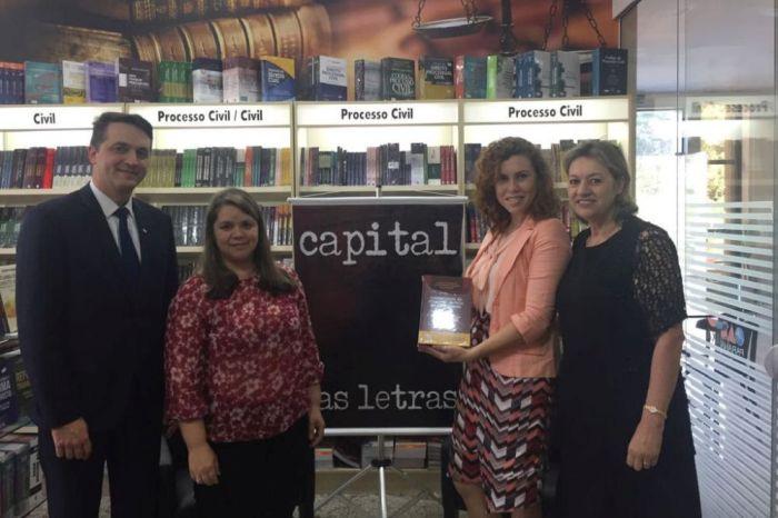 CAA-PR entrega prêmios do concurso que escolheu melhores frases sobre o Direito