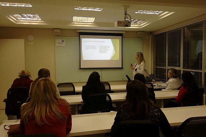 CAA-PR promoveu palestra sobre saúde no Edifício Maringá