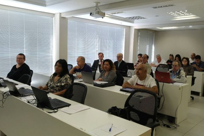 Curso de inclusão digital para adultos da CAA/PR insere advogados no mundo da informática