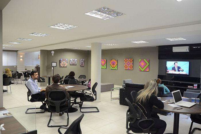 CAA-PR reforma andar do Edifício Maringá e cria espaço para arte e cultura