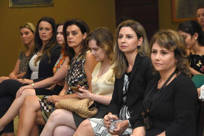 Vice-presidente da CAA/PR participa de debate promovido pela Comissão dos Advogados Iniciantes