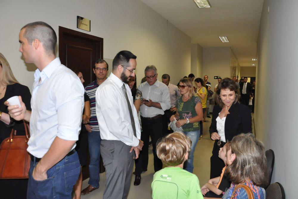 Mais de 500 pessoas vacinadas em Curitiba no primeiro dia de campanha da CAA-PR
