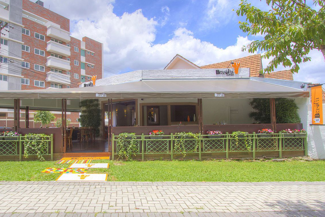Brasiléa Café passa a atender também no jantar