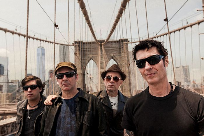 Capital Inicial leva seu acústico NYC a Guaratuba