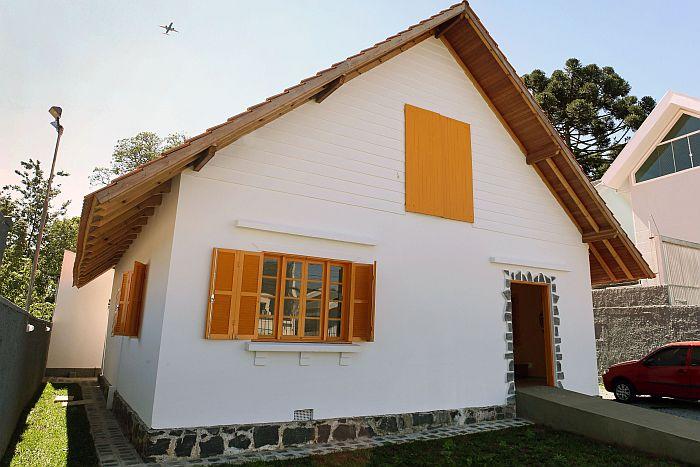 Casa Kozák retoma atividades no bairro Uberaba