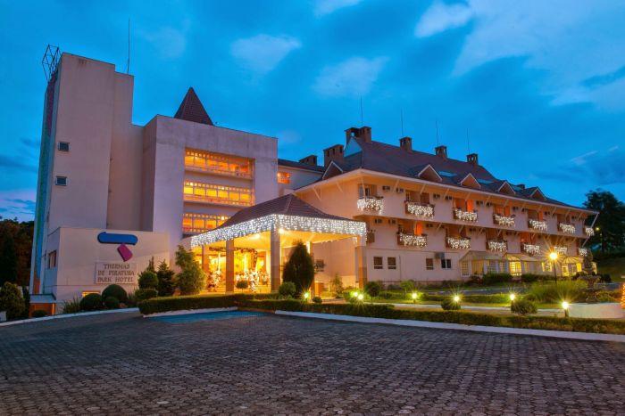 Thermas Piratuba Park Hotel presenteia pais com visita à cervejaria
