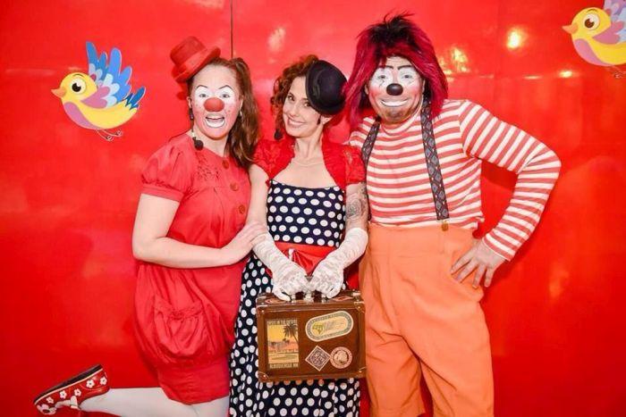 Setembro tem início com apresentação circense no Shopping Estação