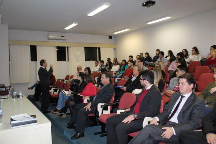Diretor da CAA-PR debate conservação do meio ambiente com advogados em Ponta Grossa