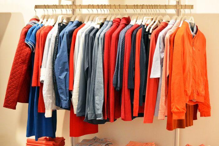Brasileiro prefere comprar roupas a gastar em passeios durante a viagem