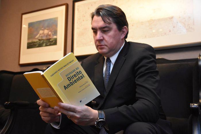 Livro analisa a difícil tarefa de advogar no Direito Ambiental brasileiro
