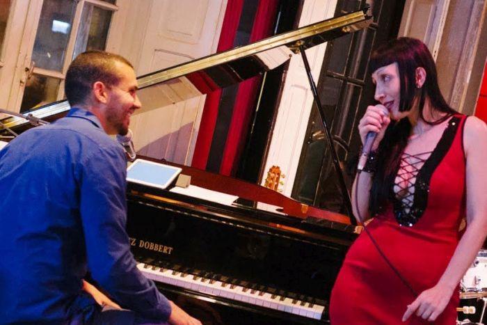 Duetos românticos em destaque na programação do Full Jazz Bar