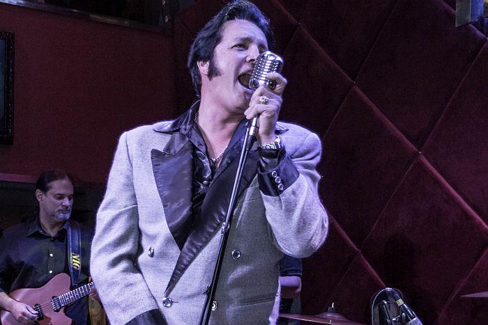 Muito rock com o melhor de Elvis Presley