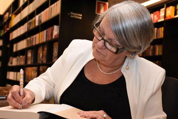 Etel Frota é a mais nova imortal da Academia Paranaense de Letras