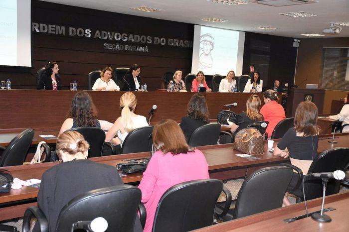 Evento da CAA/PR e OAB debateu a importância da prevenção e combate ao câncer de mama