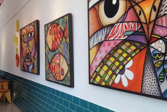 Arte literária compõe exposição interativa na Gelarteria - Gelato Café & Arte de Guaratuba
