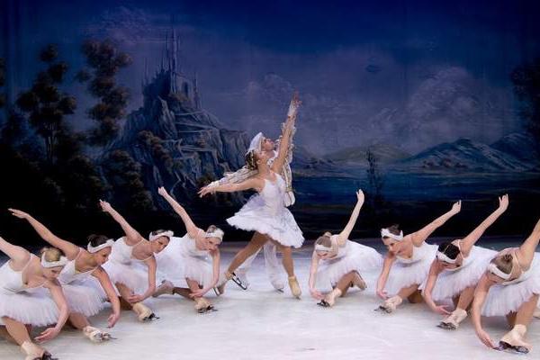 Ballet de Moscou no gelo faz apresentações em Curitiba