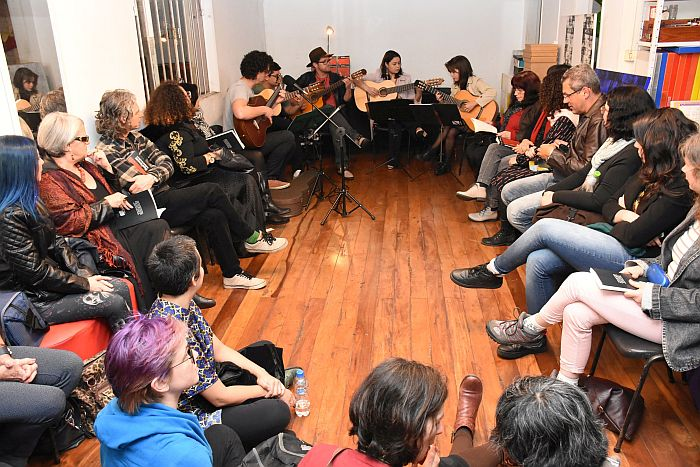 Música, poesia e dança marcam lançamento da antologia