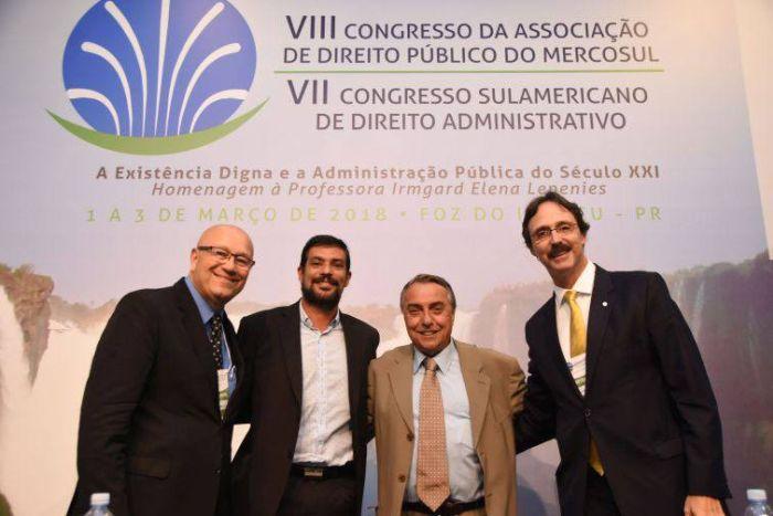 Conferências de congressos do IPDA destacam Itaipu, governança brasileira e Mercosul