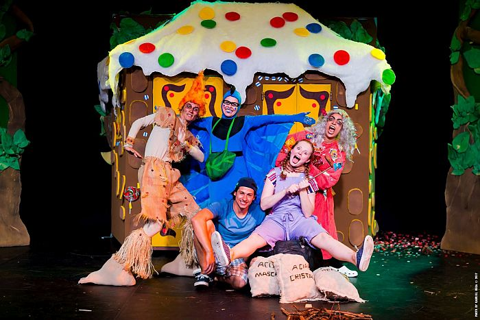 Teatro, música e solidariedade para as crianças