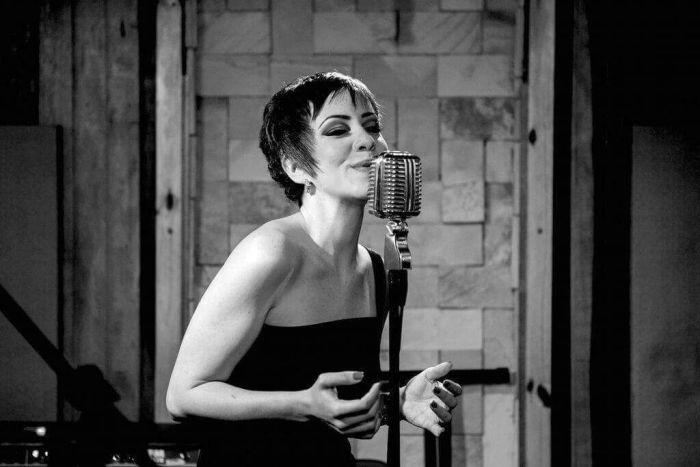 Full Jazz Bar recebe Lidia Brandão