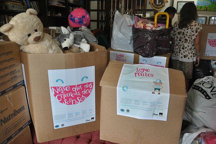 Lions Clube de Curitiba Mercês recebe doações da ABD-PR e beneficia centenas de crianças
