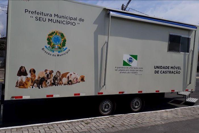 Paranaguá, Praia de Leste e Pontal do Paraná aprovam os serviços do Castramóvel