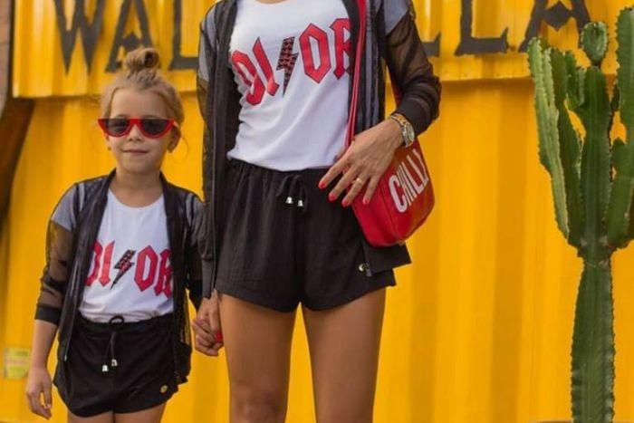 Seguindo Seus Passos abre loja com roupas iguais para pais e filhos