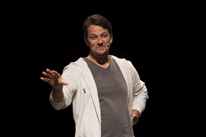 Marcelo Serrado abre temporada 2018 do Teatro Regina Vogue