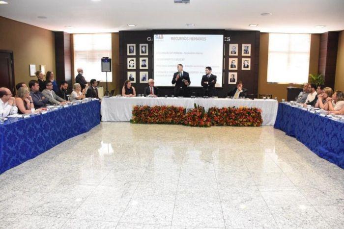 Nova diretoria da CAA/PR é apresentada aos presidentes de Subseções
