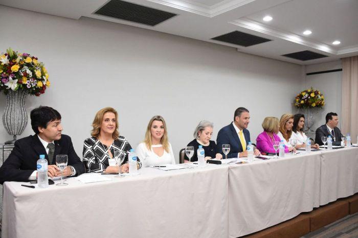 Diretoria da CAA/PR participa de Conferência Estadual da Mulher Advogada em Maringá