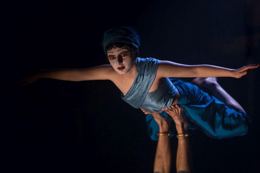 Espetáculo Nuon entra em temporada curitibana, após bilheteria esgotada no FTC