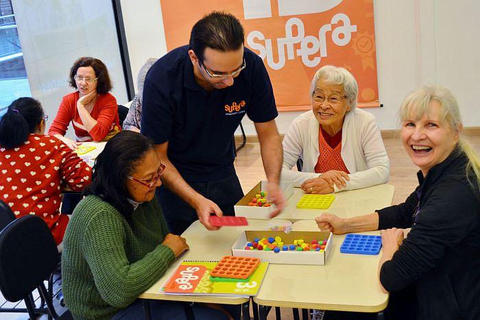 Como estimular memória em idosos