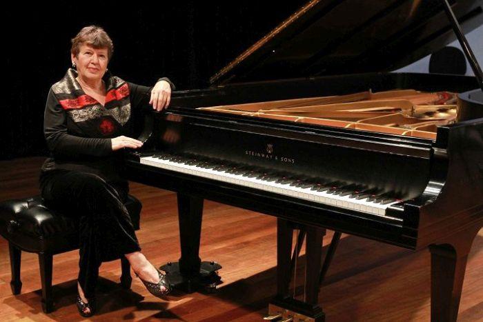 Pianista Olga Kiun mostra em recital a revolução que conheceu de perto