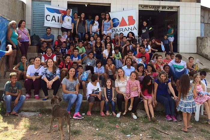 Campanha da CAA-PR e OAB alegra Páscoa de crianças carentes em Curitiba