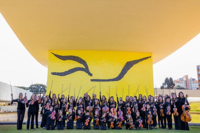Orquestra Suzuki faz concerto comemorativo em Curitiba